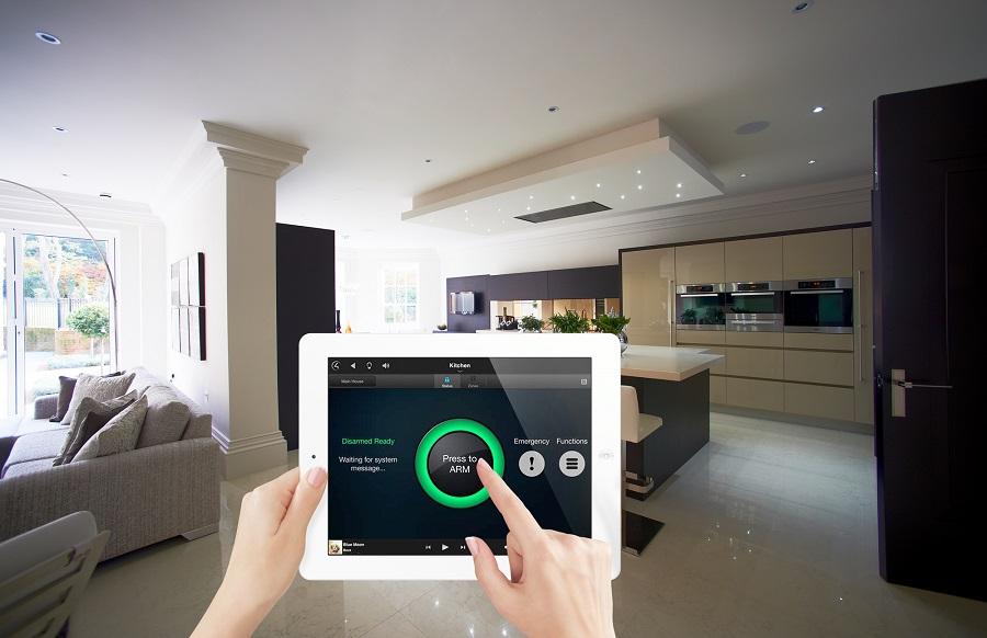 How Smart Cameras Keep Your Home Safe