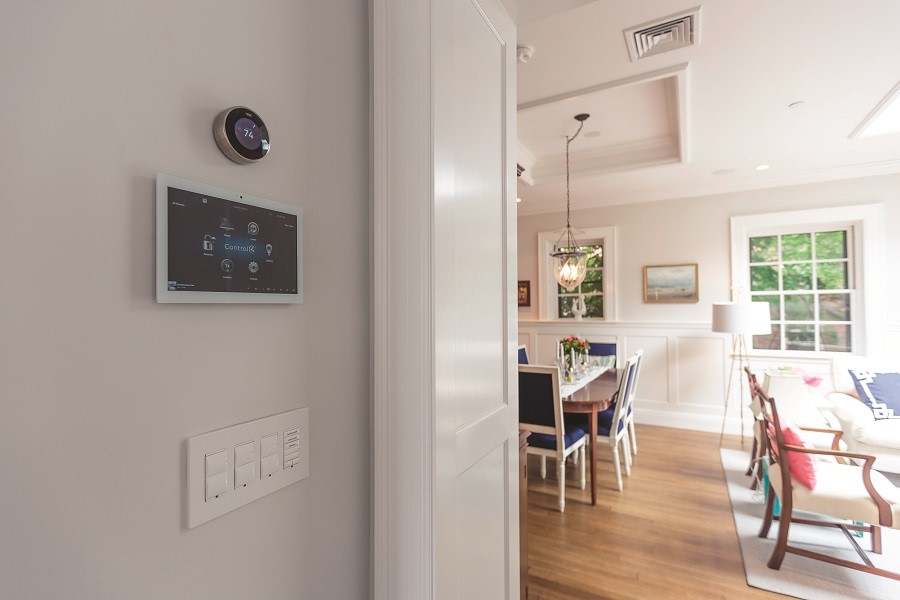 How Your Home Automation System Cuts Your Energy Bills This Summer